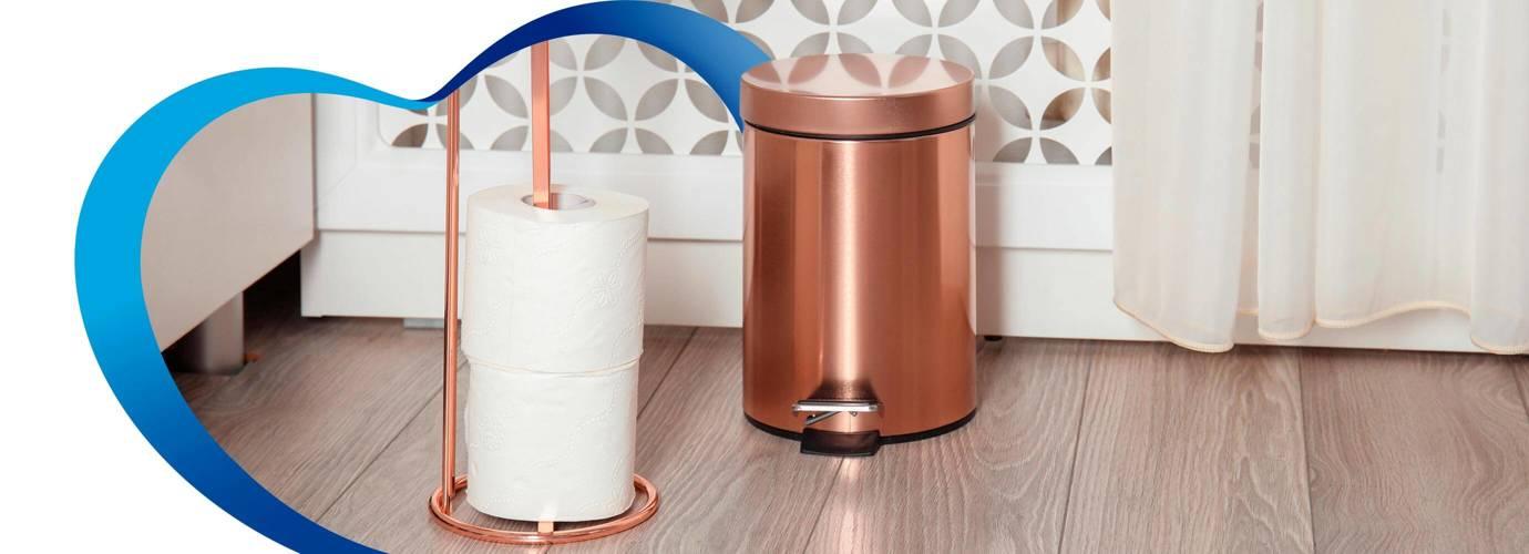 ¿En dónde se deposita el papel higiénico?